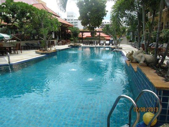 Sabai Wing: второй из бассейнов