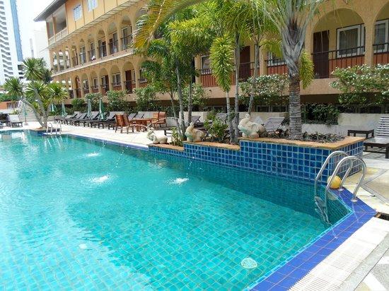 Sabai Wing: бассейн наш самый любимый