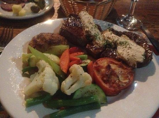 Olde Horsham Family Restaurant : steak and  vegies
