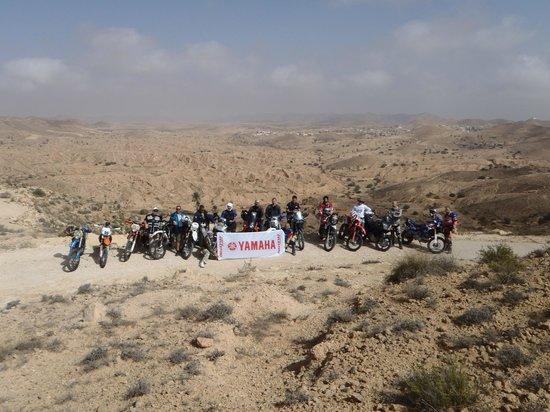 Hotel Marhala: foto di gruppo nella valle di Matmata