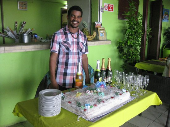 L'Eddy's Papillon : Eddy gérant du restaurant