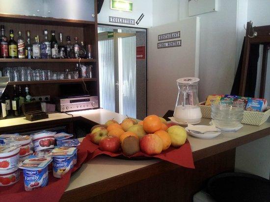 Hotel Drei Kronen : Breakfast