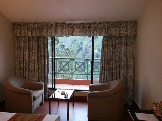 Abad Copper Castle Hill Valley Resort : our room