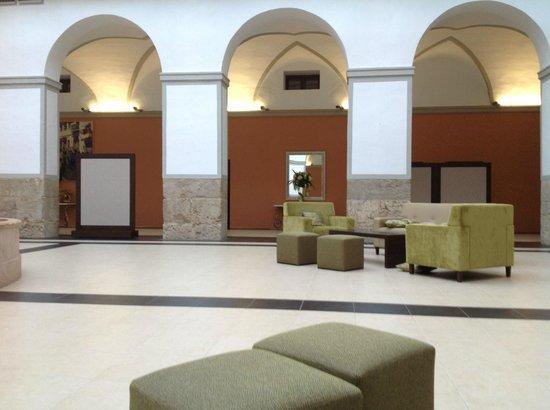 Hotel Martin El Humano: Salin central 2