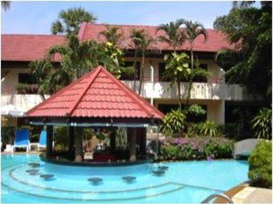 Swiss Palm Beach : pool bar
