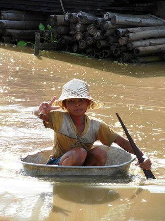 Angkor Tour Services: Floating Village