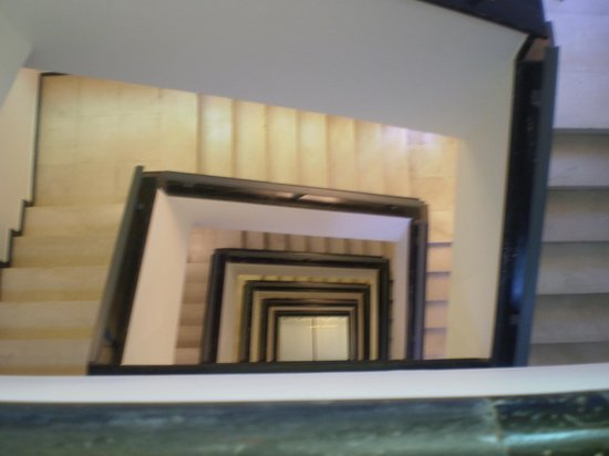 City Hotel Thessaloniki: a view from the stairs