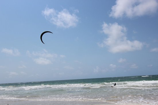 Mike's Camp, Kiwayu Island: A kite boarding mecca