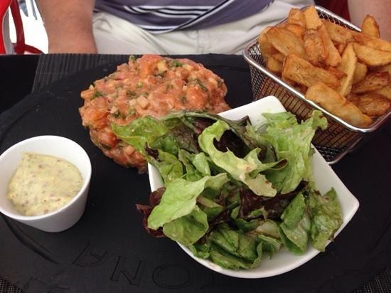 Baitona : tartare de saumon