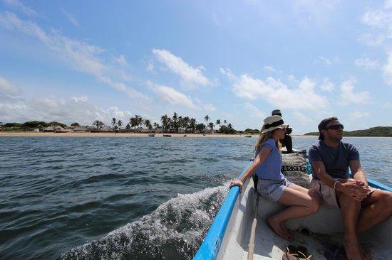 Mike's Camp, Kiwayu Island: Boat trip to local Kiwayu village