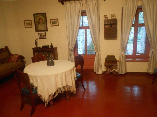 Chekhov House & Museum : Inside the house