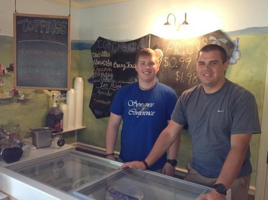 Sewanee, TN: Keith,Tyler having some ice cream