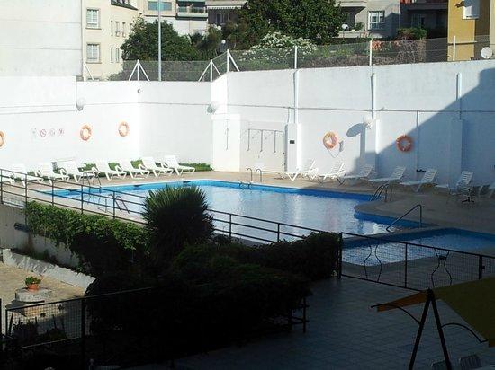Hotel La Terraza: La piscina