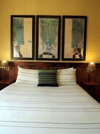 Ascot Inn: Room