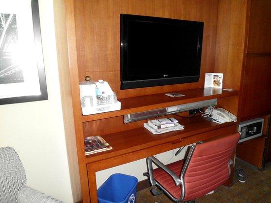Four Points by Sheraton Philadelphia City Center : room pic 2