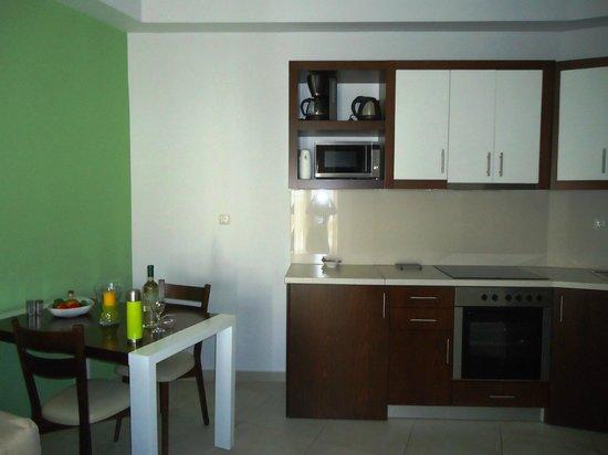 Esthisis Suites: cucina