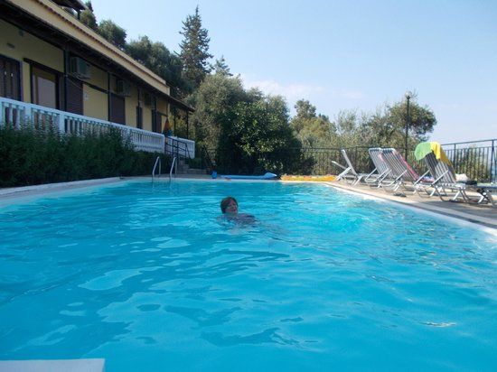 Dimitra Studios: Pool, nearly always the only ones there