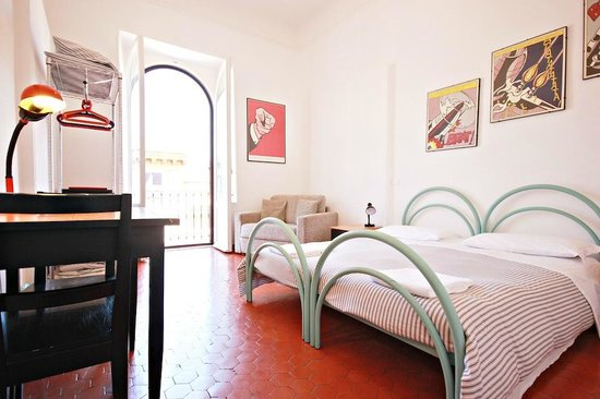 Clover Guestrooms: double room with balcony