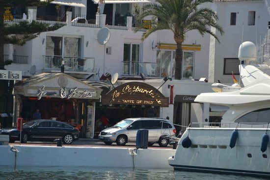 La Pappardella : View from the incoming boats