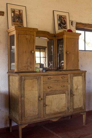 Muebles reciclados y vajilla para uso de nuestros - Muebles antiguos restaurados ...