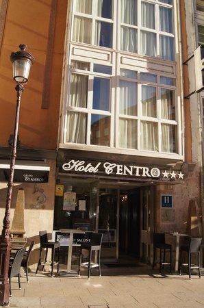 Hotel Centro Los Braseros: L'entrée de l'hotel