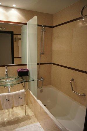 Hotel Centro Los Braseros: la salle de bain
