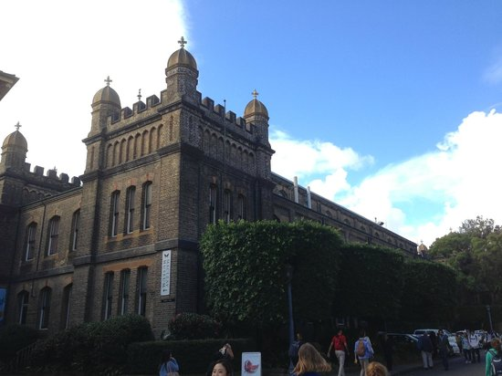 University of Sydney: The Macleay Building and the Macleay Museum