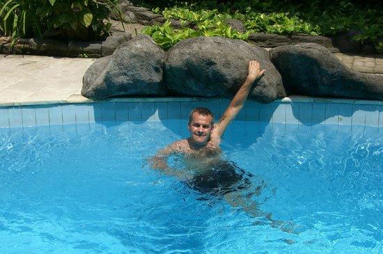 Villa Puri Royan: piscine de l'ètablissement,agrèable après une excurtion