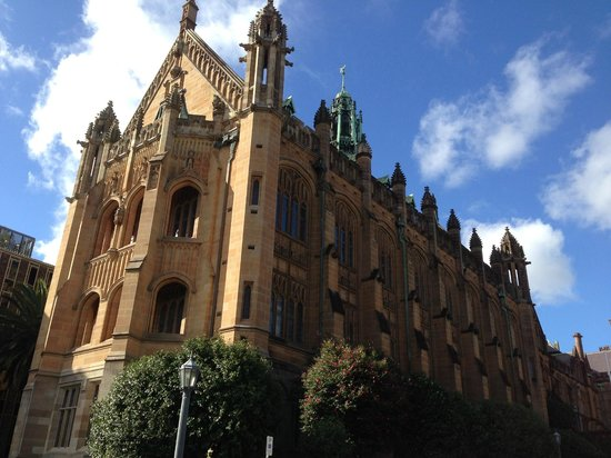 University of Sydney: The MacLaurin Hall