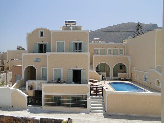 Villa Irini: Hotellet fra forsiden