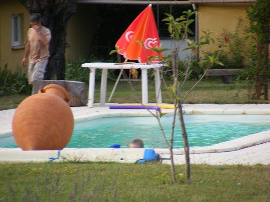 La Maison Templiere: piscine