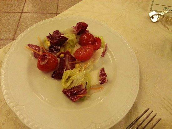Hotel Orizzonte - Acireale : Piatto d'insalata. 4 foglie