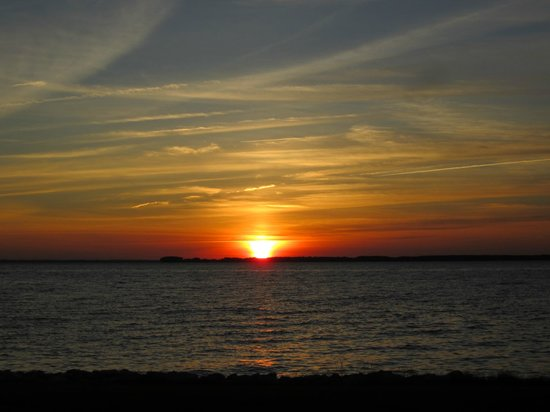 Wades Point Inn on the Bay: Sunset over the water