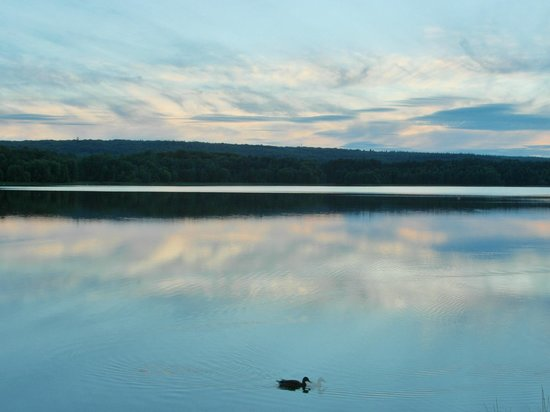 Brocéliande : Tramonto sul lago di Paimpont