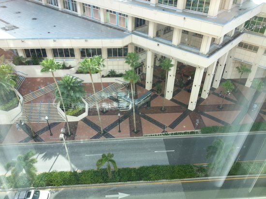 Embassy Suites by Hilton Tampa - Downtown Convention Center: view from bedroom again