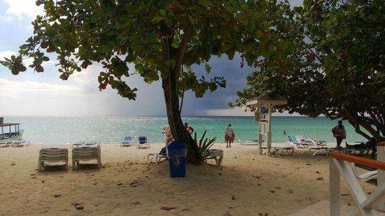 ميريلز بيتش ريزورت ذا سكند - شامل جميع الخدمات: spiaggia