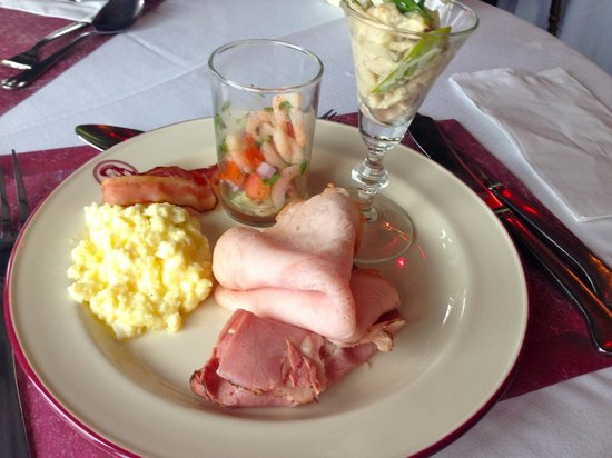 Henry VIII Restaurant: Brunch