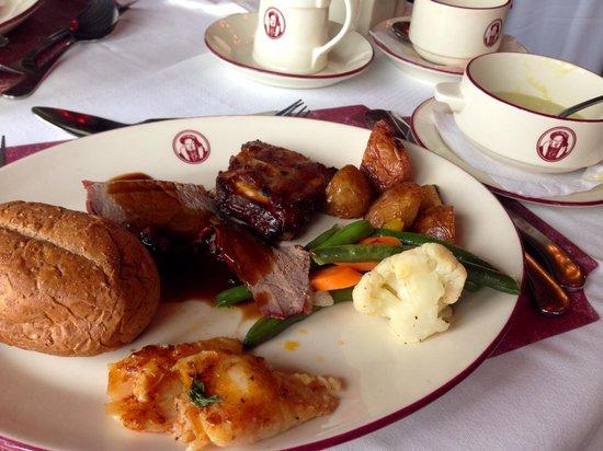 Henry VIII Restaurant : Brunch
