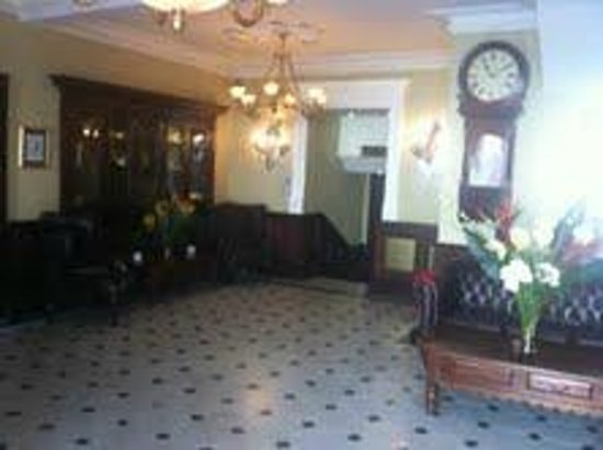 Imperial Hotel: Reception Area