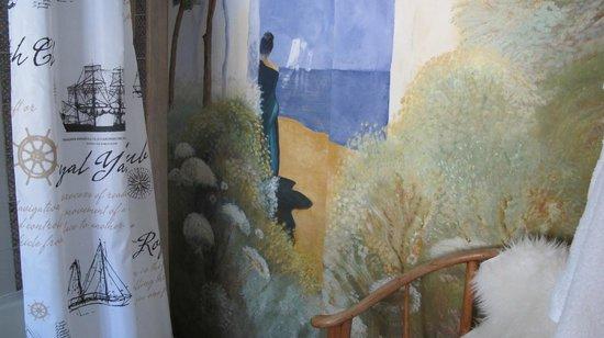 Jardines De La Reina Boutique Bed & Breakfast : Painting in bathroom