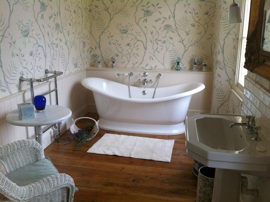 The Old Parsonage: Now That's  Bath!!!