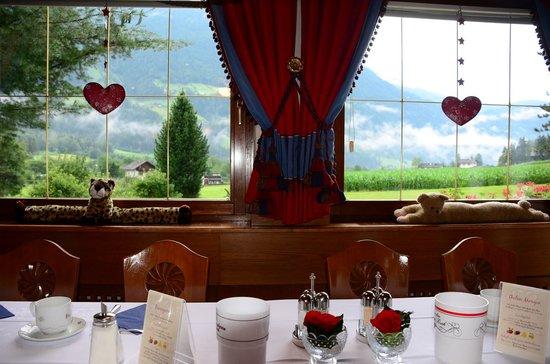 Hotel Reichegger: breakfast hall