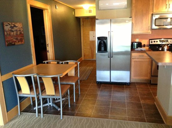East Bay Suites : Kitchen in 304