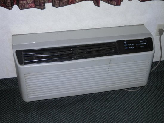 Super 8 Liverpool/Clay/Syracuse Area: ac unit worked but looked dirty