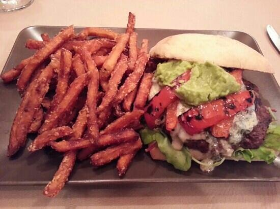 The Falls Inn & Spa: Signature burgers with sweet potato fries.