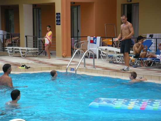 Sunrise Village Hotel : Pool gymnastik