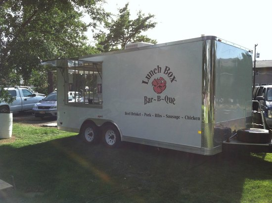 The Lunch Box Deli & BBQ: Mobile Catering Kitchen