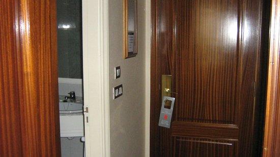 Hotel Abando: Room