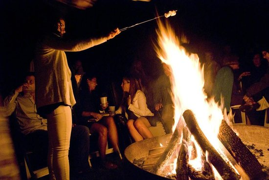 Interlaken Inn: Friday bonfire