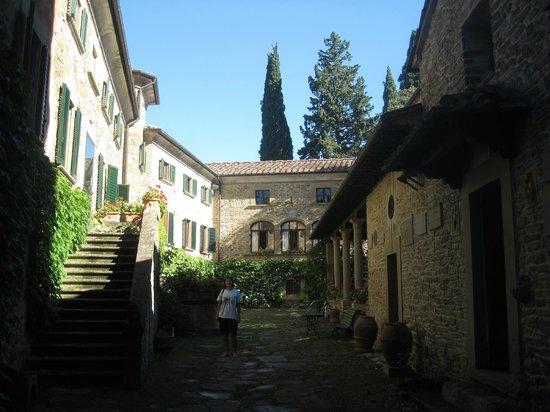 Relais La Torre: Il borgo medievale che ospita il Relais